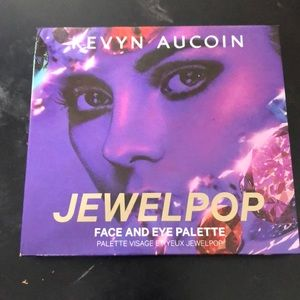 Kevyn Aucoin Jewel Pop face and eye palette
